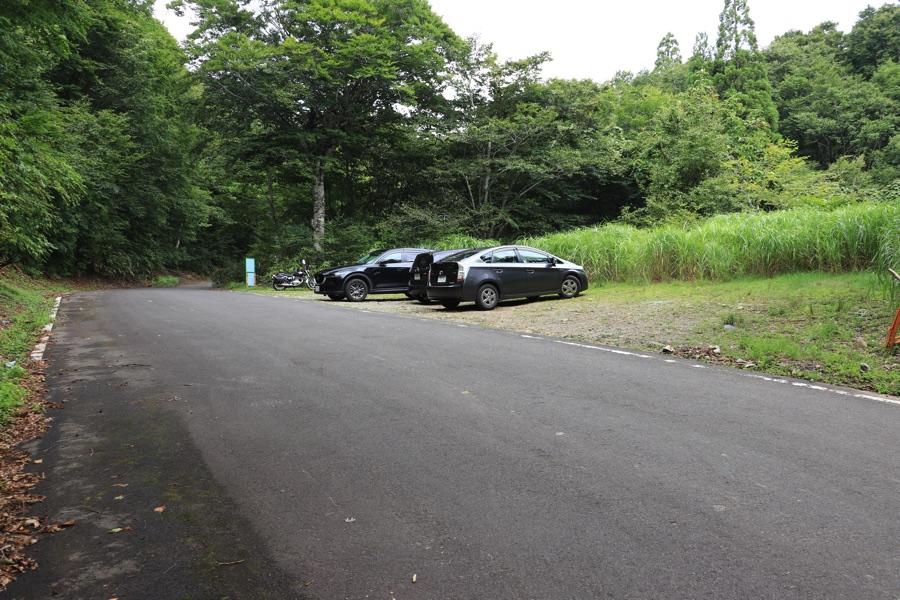 猿壺の滝 駐車場